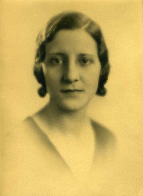 Louise Ditoto (possibly Engagement picture), about 1932?